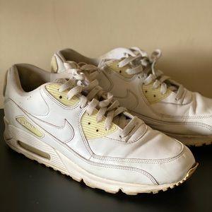Nike Air Max -Late 2000s Model White